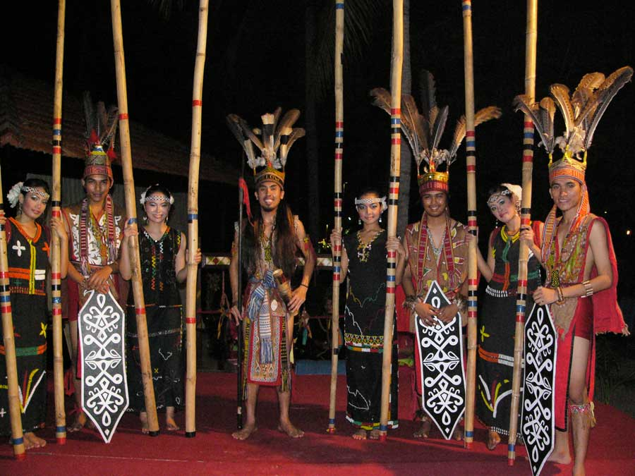 Kadazan Dusun performance, Photo: Leif Almo