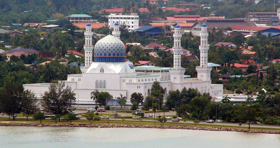 Kota-Kinabalu-City-Mosque-photo-Leif-Almo